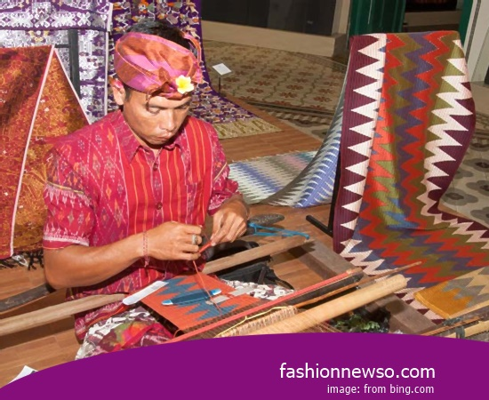 Macam-macam Model Kain Ulos Tradisional Maumere